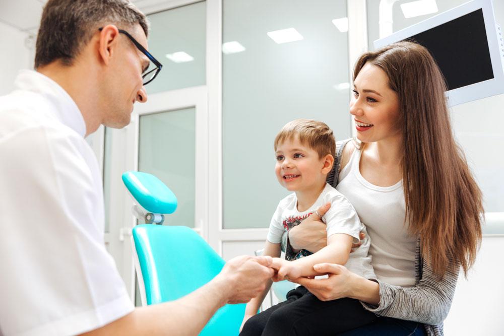 Odontoiatria-pediatrica-denti-da-latte-e-sigillatura-dei-solchi-studio-dentistico-dottor-gola-dentista-casteggio-3