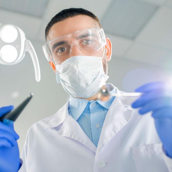 Estrazione-denti-del-giudizio-studio-dentistico-gola-dentista-casteggio-1