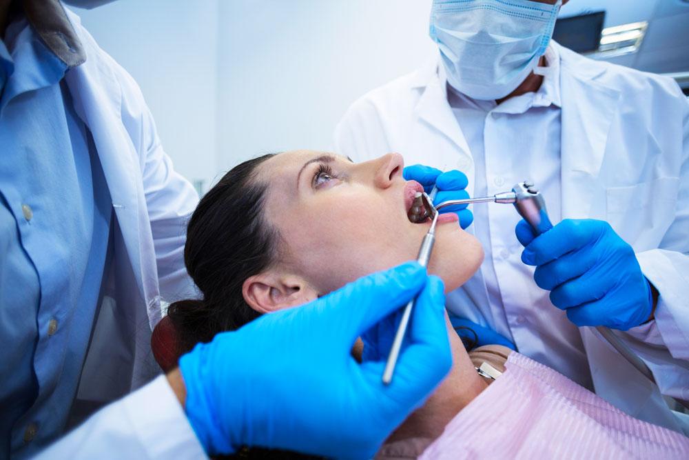 Estrazione-denti-del-giudizio-studio-dentistico-gola-dentista-casteggio-2