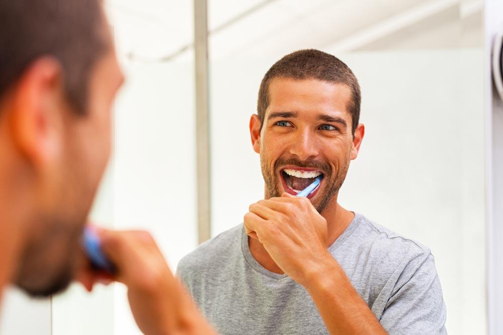 Gengive-sanguinanti-cause-rimedi-studio-dentistico-dottor-gola-dentista-casteggio-2